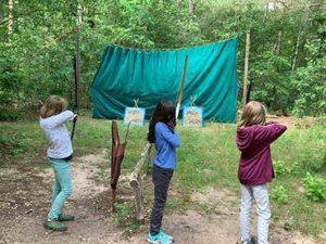 Bogenschießen-in-den-Ferien-mit-der-Wildnisschule-Walk-on-the-Wildside.jpg
